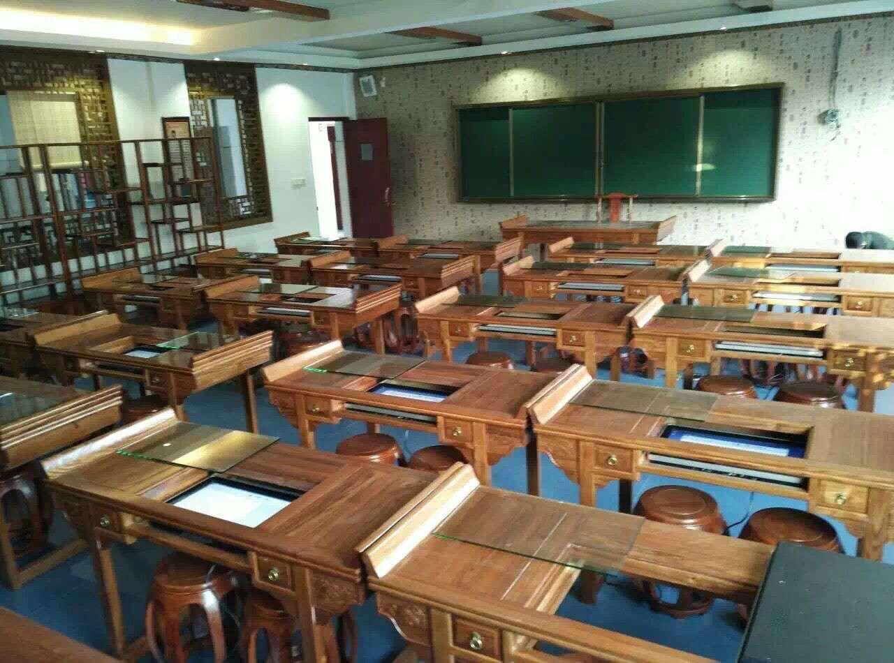 上海某小学,高端实木22寸桌面嵌入式教学一体机